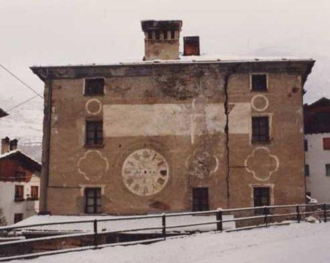 Grappein e la Casa dell'Orologio di Cogne.